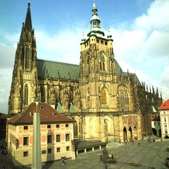 St. Vitus´s Cathedral seen over the third courtyard.