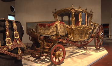Beauty in Harness – Carriages, Sleighs and Sedan Chairs of the 18th to the 20th Century